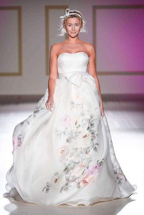Vestiti Da Sposa Blumarine.Blumarine Abiti Da Sposa 2018 La Collezione Foto Abiti Da