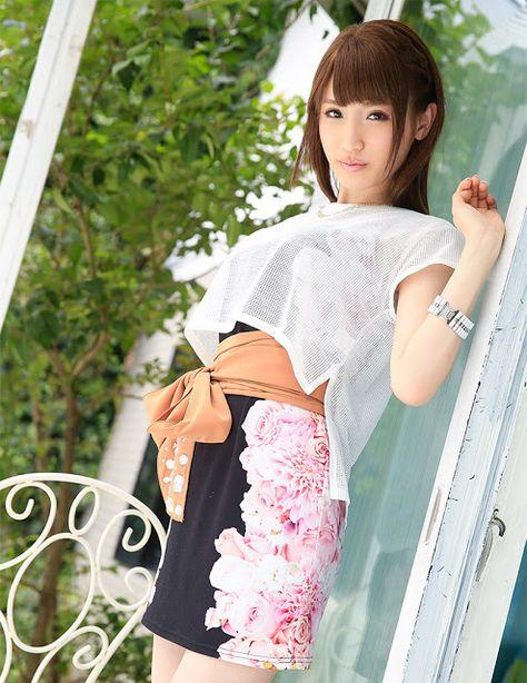 Aizawa Karin 愛沢かりん Photos 18