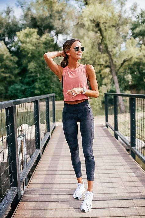 marathon training series: my training plan workout routine Lauren Kay Sims Cute Workout Outfits, Workout Attire, Workout Wear, Cute Running Outfit, Dance Workout Clothes, Running Outfits, Exercise Clothes, Nike Workout, Workout Clothing