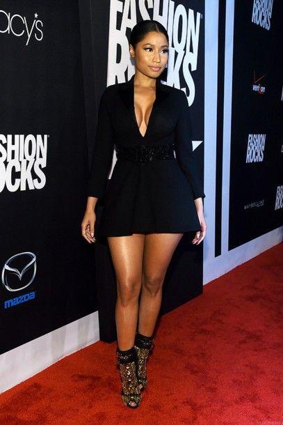 booty babe barbz slaying trinidad nicki minaj red carpet dress fashion icon designer black dress cute black dress demure short short dress pretty heels