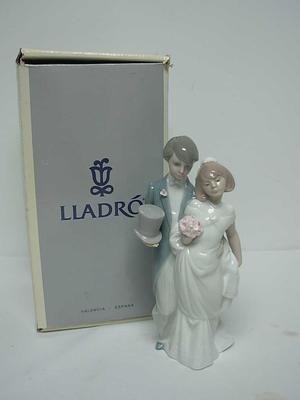 LLADRO 06164 WEDDING BELLS BRIDE GROOM CAKE TOPPER FIGURINE 825 MIB