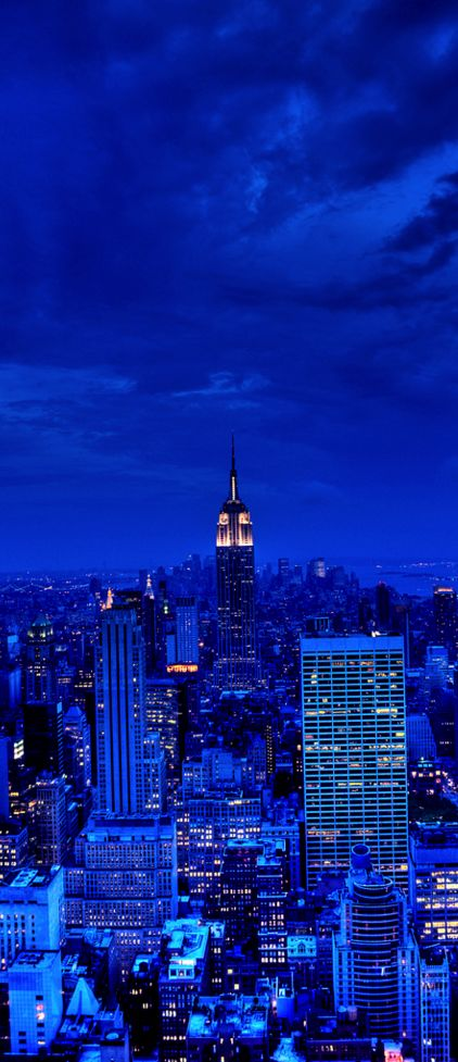 Manhattan, New York City, USA NYC New York City Travel Honeymoon Backpack Backpacking Vacation Blue Aesthetic Dark, City Aesthetic, Blue Wallpaper Iphone, Blue Wallpapers, Aesthetic Backgrounds, Aesthetic Wallpapers, Photo New York, Applis Photo, Manhattan New York