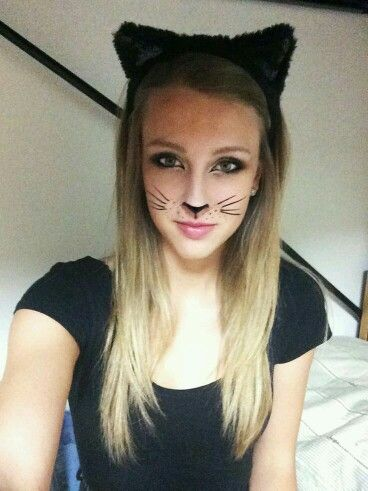 Julie Sarniara as a Black Cat   Celebrity halloween costumes Black cats and Halloween costumes  sc 1 st  Pinterest & Julie Sarniara as a Black Cat   Celebrity halloween costumes Black ...