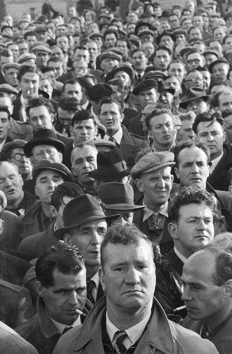 U.K. A crowd of people, England, 1954 //  photo by © Marc Riboud