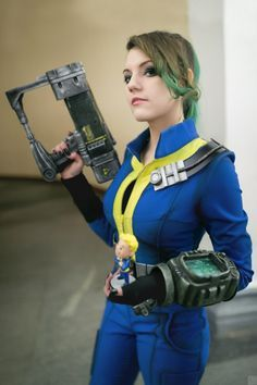 one of the best fallout cosplays ive ever seen hell of a nice vault suit