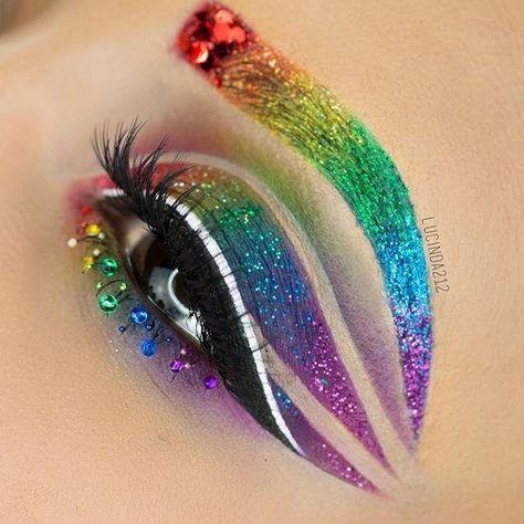 The internet is crazy about this eye make-up! - make up [ad_ Eye Makeup Art, Cat Makeup, Eye Art, Makeup Kit, Beautiful Halloween Makeup, Halloween Makeup Looks, Rainbow Makeup, Rainbow Hair, Simple Makeup