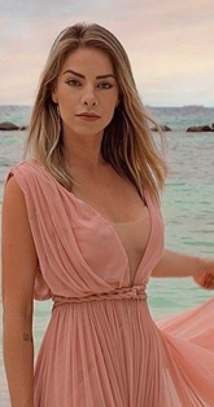 Vestido Para Madrinha De Casamento Na Praia é Quase Sempre