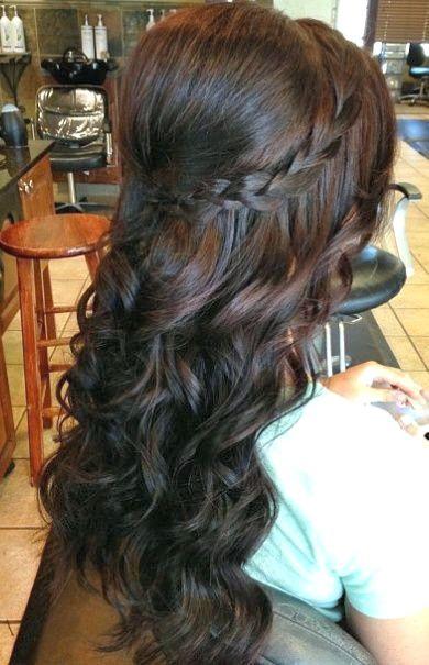 13 Wunderschone Lange Lockige Frisuren Lockige Frisuren Hochzeitsfrisuren Lange Haare Lange Lockige Haare