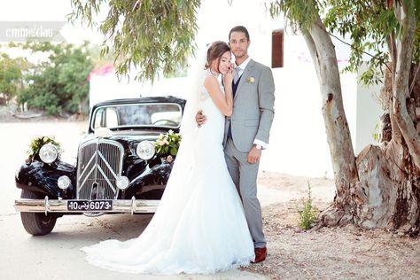 a4101ec4b73099 Destination Wedding in Tunisia Beautiful bride Pronovias wedding dress  Barcelone Lace wedding dress Old car