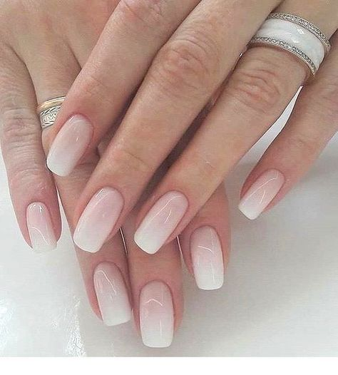 Light pink ombre nails   Inspiring Ladies - #Inspiring #Ladies #light #nails #ombre #Pink