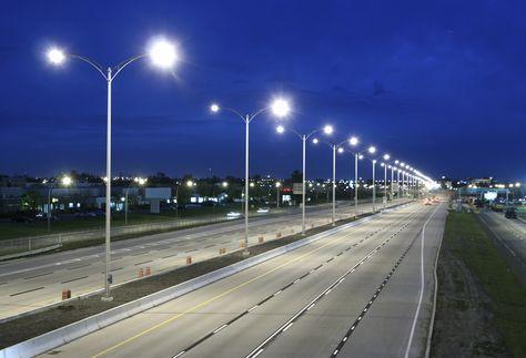 Eficiencia Y Mantenimiento De Luminarias Led En Alumbrado Publico Led Alumbrado Publico Luminarias Eletric Street Light Led Street Lights Highway Lighting