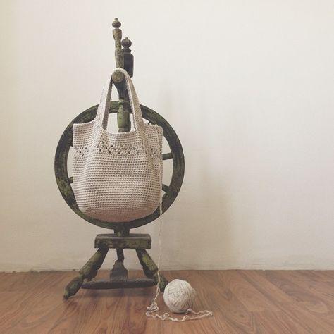 """Я млею перед японскими вязальщицами, перед японскими швеями. Это тот случай, когда в интернет-магазине с литературой """"на тему"""" из 190 книг мне нужны 189, а одна у меня уже есть. #вязание #crochet #knitting #сумка #bag #handmade #доброразнообразное"""