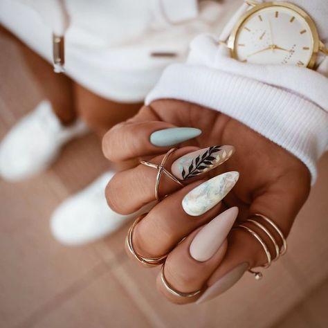 2019 attraktive Nail Art Designs im Trend #mattenails 2019 attraktive Nail Art D... - #Art #attraktive #Designs #mattenails #Nail #Trend