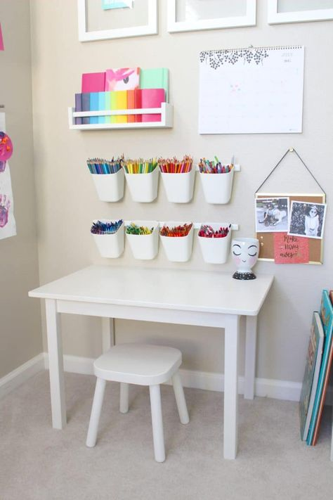 playroom art station is giving us all the toddler art goals! This playroom art station is giving us all the toddler art goals! - This playroom art station is giving us all the toddler art goals! Baby Playroom, Playroom Art, Playroom Design, Children Playroom, Small Playroom, Colorful Playroom, Kids Room Design, Playroom Table, Kids Playroom Ideas Toddlers