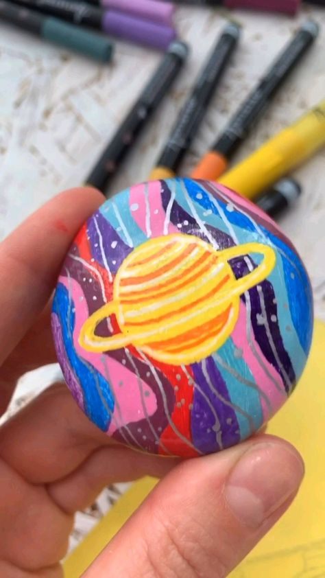 Inspirational Painting Planets on Rocks with Artistro
