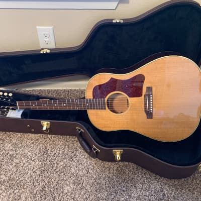 Acoustic Guitars Gibson Guitars And Basses Reverb In 2020 Acoustic Guitar For Sale Guitar Acoustic Guitar