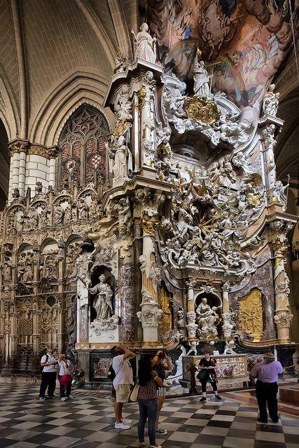 Toledo Cathedral, España  http://www.toledo-turismo.com/en/cathedral-museum_75