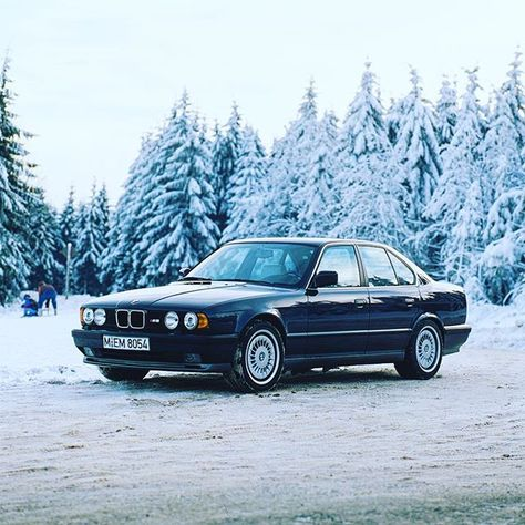 ///M Monday and the probably coolest snowmobile ever