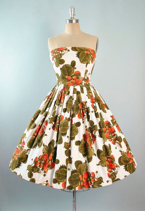 Vintage 50s Novelty Print Dress / 1950s Red by GeronimoVintage