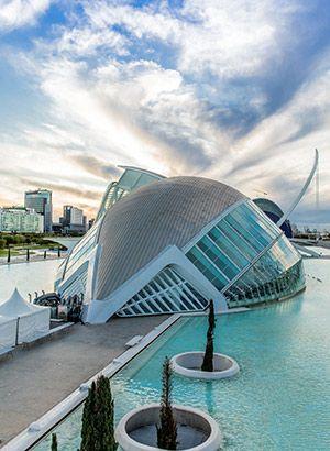 Ciudad De Las Artes Y Ciencias Een Architectonisch Hoogstandje In Valencia Valencia Spanje Spanje Reizen Valencia