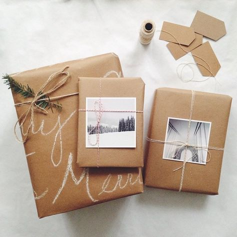 Simple Christmas Gift Wrapping Ideas with Kraft Paper – The Inspired Room - Geschenkideen Creative Gift Wrapping, Present Wrapping, Gift Wrapping Supplies, Simple Gift Wrapping Ideas, Wrapping Papers, Simple Christmas, Christmas Time, Christmas Gingerbread House, Gingerbread Houses