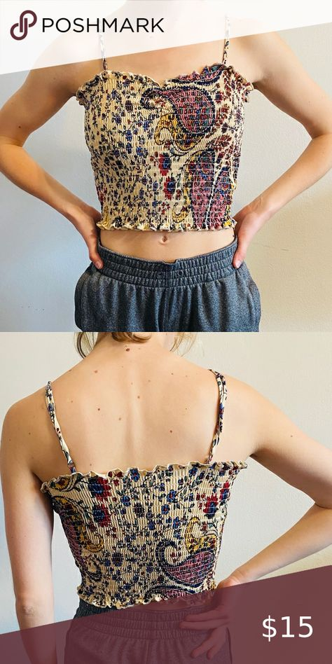 """Paisley stretchy crop top Paisley stretchy crop top   Great condition 💕   Model is 5'2"""", Xsmall  #paisley #boho #hippy #croptop #festival Tops Crop Tops"""