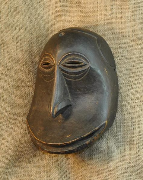African Masks - Hemba Mask 8 - Partial Left - Click to return to the top of the page.