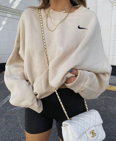 Trending: Black Biker Shorts Teen Fashion Outfits, Mode Outfits, Retro Outfits, Winter Outfits, Girly Outfits, Simple Outfits, Stylish Outfits, Summer Outfits, Sporty Outfits