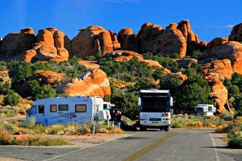 Rvs Camping At Devils Garden Campground In Arches National 400 x 300