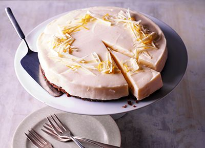 White Chocolate And Lemon Cheesecake Carnation S Delicious Cheesecake Gets Its Sweetness Lemon Cheesecake Recipes Cheesecake Recipes No Bake Lemon Cheesecake
