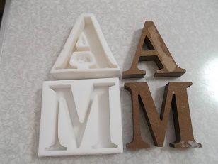 簡単 イニシャルアルファベットシリコン型の作り方 キャンドルの作り方 キャンドル シリコン 型 アロマワックスバー