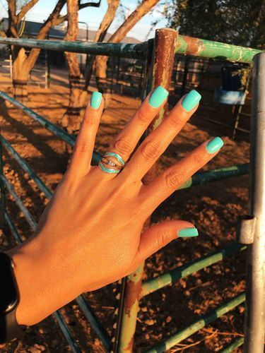 """""""I'm obsessed with my rings!"""" - PK MAGICALLY versatile✨✊ Turquoise and Diamonds: its a thang! Wrap a Turquoise stacker ring around your engagement ring for a perfect Western Wedding, western fashion, boho wedding. just plain AWESOME- look! Aycrlic Nails, Cute Nails, Hair And Nails, Western Nails, Western Wear, Rodeo Nails, Turquoise Wedding Rings, Turquoise Rings, Country Nails"""