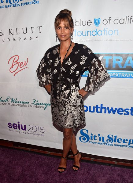Halle Berry attends the 2018 Imagine Cocktail Party to benefit Jenesse Center at Wilshire Country Club.