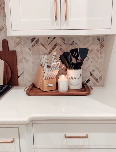 Quick Tips For Sprucing Up Your Home. - The Sister Studio Kitchen Countertop Decor, Home Decor Kitchen, Home Kitchens, Kitchen Taps, Farmhouse Kitchen Decor, Kitchen Ideas, First Apartment, Apartment Kitchen, Boho Home