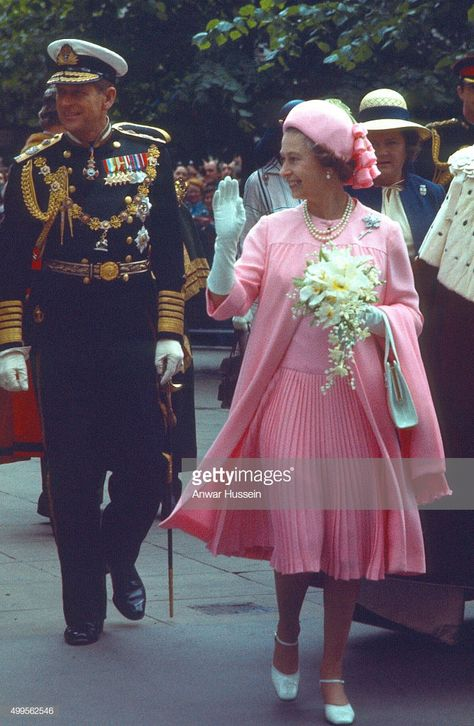 Queen Elizabeth ll and Prince Philip, Duke of Edinburgh greet the public during a Silver Jubilee walkabout on June 07, 1977 in London, England.