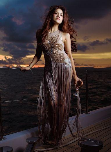 Ben Zander is a top Bangkok photographer specialising in portrait and studio photos. http://benzander.com/