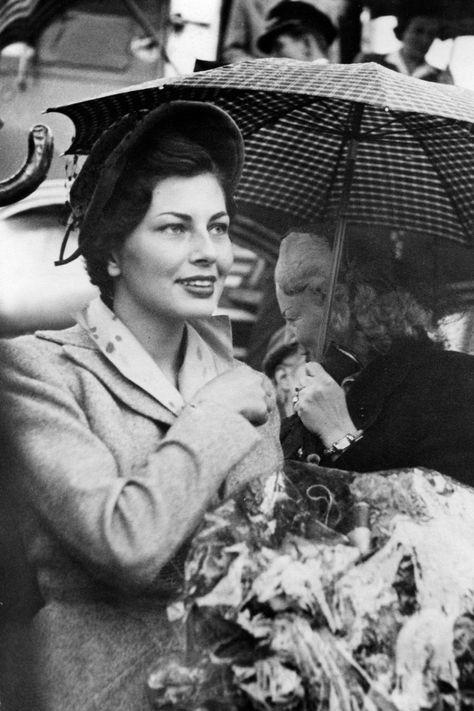 Soraya Esfandiary-Bakhtiari married Shah Mohammed Reza Pahlavi in 1951 - HarpersBAZAAR.com