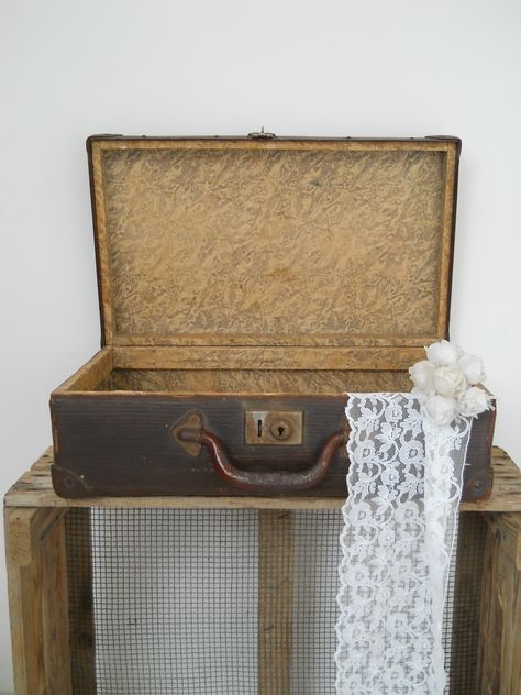f2dcd839d42 Klein donkerbruin brocante koffertje | Brocante manden, koffers en ...