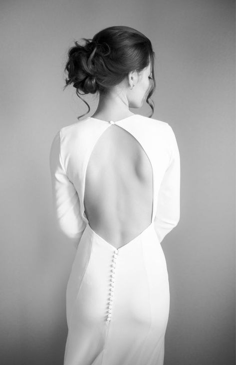Modern crepe wedding dress - Minimalist bridal gown - Simple sexy dress - open keyhole back - buttons - long train - long sleeve - MAGNOLIA Wedding Dress Bustle, Crepe Wedding Dress, Wedding Dress Brands, V Neck Wedding Dress, Long Sleeve Wedding, Keyhole Back Wedding Dress, Crepe Dress, Different Wedding Dress Styles, Different Dresses