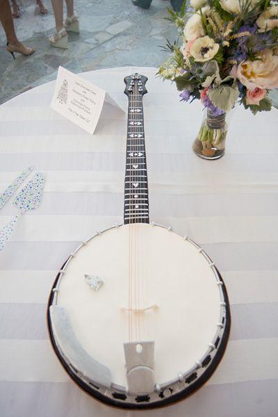 banjo groom's cake!   Tim Will #wedding