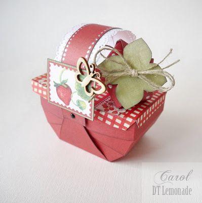 Truskawkowy koszyk / A Strawberry Basket