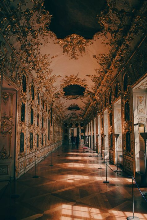 Munich Residenz 11 Amazing Sights You Have To See In Munich, Germany Brown Aesthetic, Aesthetic Art, Aesthetic Pictures, Aesthetic Vintage, Baroque Architecture, Beautiful Architecture, Princess Aesthetic, Photos Voyages, Travel Aesthetic