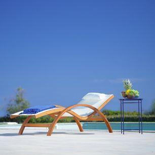 Relaxliege Kora Inkl Kopfkissen Aus Echtholz Weiss Modern 72 70 160cm Momax Modern Living Relaxliege Relaxen Modern