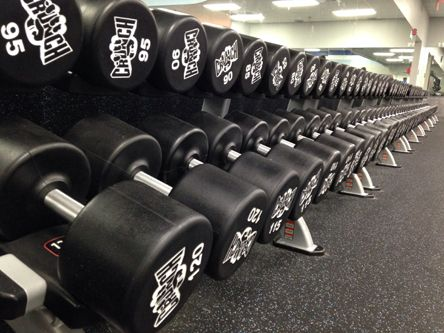 Crunch Fitness Oakland Park Has Plenty Of Dumbells The Kind You Lift Up To 120lbs Group Fitness Classes Fitness Fitness Class