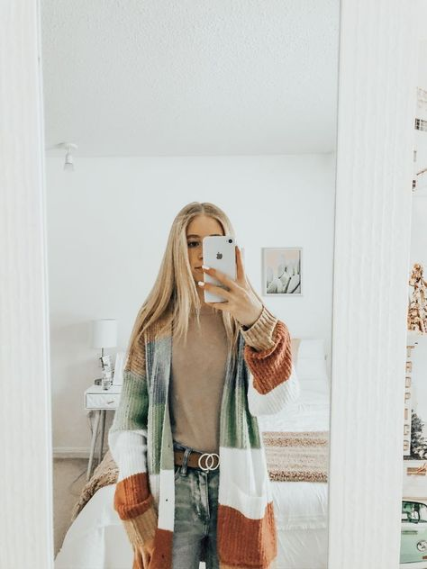 Source by Kathfie fall outfits Cute Comfy Outfits, Cute Outfits For School, Cute Casual Outfits, Simple Outfits, Outfits For Teens, Lazy Outfits, Casual Jeans, Stylish Outfits, Teen Fashion Outfits
