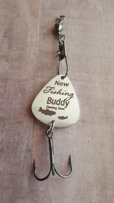 Daddy's New Fishing Buddy çoming soon Dad To Be Gift Baby Boy Shower Gifts Fish Hook Lure Key Chain Boys Christmas