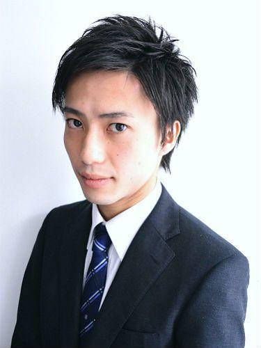 メンズショートヘア】オシャレ七三、刈り上げが流行【最新髪型