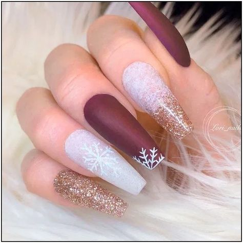 143 glamorous glitter nail arts for christmas page 1   Armaweb07.com - #armaweb07 #christmas #glamorous #glitter - #New