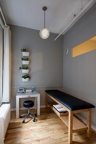 Huxhux Hand 02 Jpg Clinic Interior Design Chiropractic Office