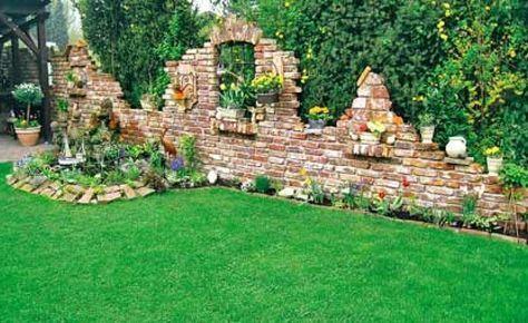 Ruinenmauer Im Garten